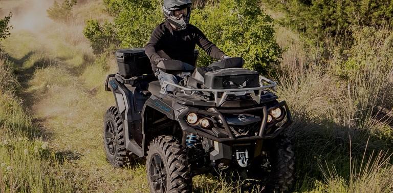 Can-Am ATV s příslušenstvím